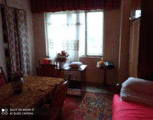 Apartament 3 camere, 98mp, imobil istoric, Facultatea de Litere, zona centrala