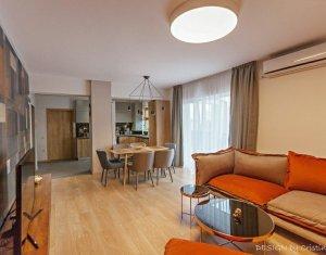 Apartament de lux, panorama deosebita, terasa, 2 garaje, zona Platinia
