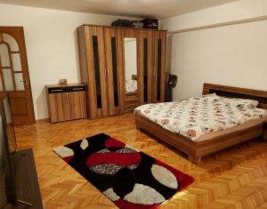 Apartament decomandat, la 5 minute de centru, ideal investitie, zona Cipariu