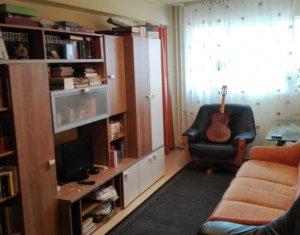 Apartament 3 camere, decomandat, 70 mp, 2 bai, 2 balcoane, in Marasti