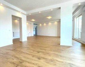 Apartament cu 2 camere de vanzare in Cluj-Napoca, zona centrala, cu parcare