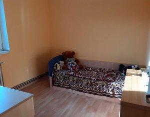 Vanzare apartament 4 camere, semidecomandat, Manastur, 57 mp
