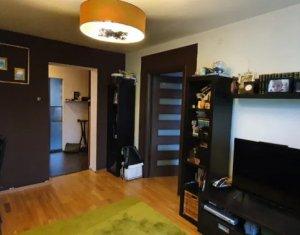 Apartament 3 camere, decomandat, locatie foarte buna, in Grigorescu