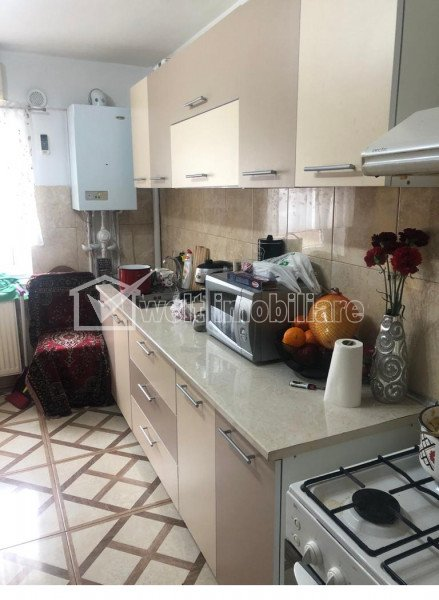 Vanzare apartament 3 camere Apahida, finisat, etaj 3/3, 68mp