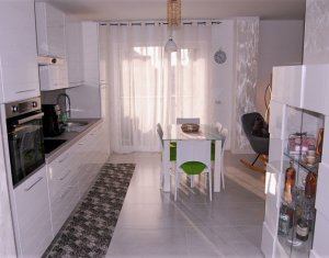 Apartament 2 camere, ultrafinisat, bloc 2020, CF, parcare, Europa