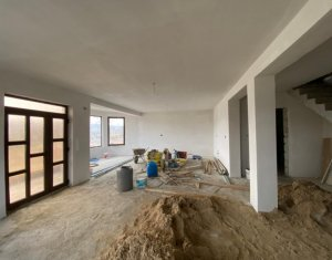 Vanzare casa, situata in Floresti, zona Colonia de Sub Deal