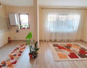 Apartament cu 3 camere de vanzare, finisat, Floresti, zona Stejarului