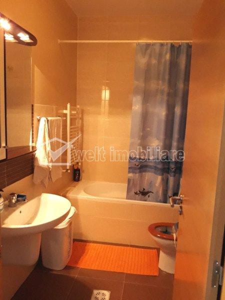 Apartament cu 2 camere, semidecomandat, 44 mp, etaj intermediar, Viva City