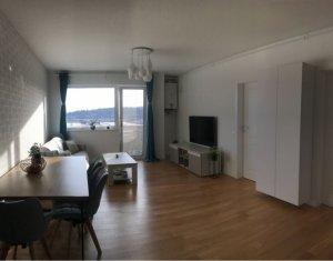 Vanzare apartament 3 camere, modern, etaj intermediar, zona Vivo