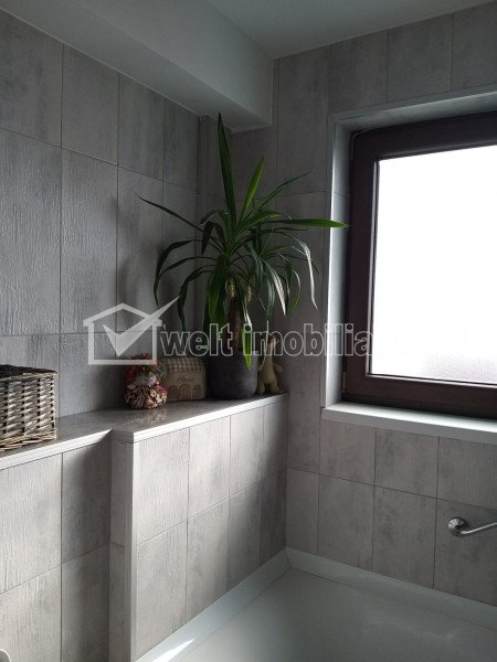 Apartament 3 camere, situat in Floresti, zona Terra