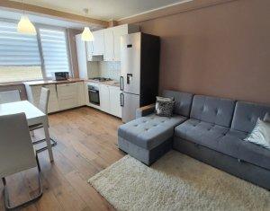 Apartament cu 3 camere, ultrafinisat, Floresti, zona buna