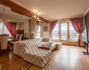 Apartament 3 camere, lux, zona centrala, panorama unica asupra orasului !