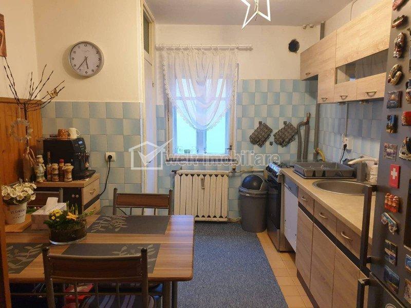 Apartament cu 3 camere, Gheorgheni, zona Godeanu