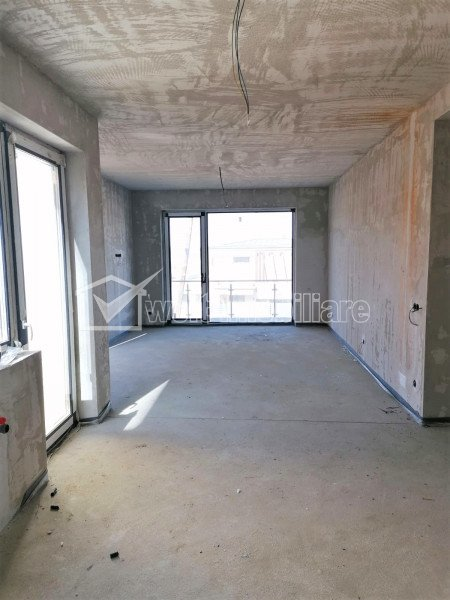 Apartament 3 cam + curte 57 mp, 2 garaje, imobil cu doar 2 apartamente