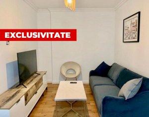 Apartament LUX cu 3 camere + balcon, zona SEMICENTRALA