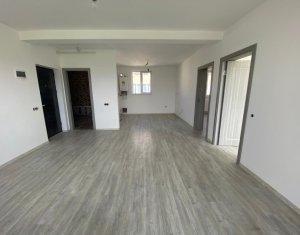 Apartament 3 camere, finisat, 2 parcari, zona Terra