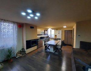 Apartament la casa cu 4 camere, 94 mp, 2 parcari, Baciu