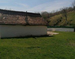 Gheorgheni sat, teren 1200 mp, casa demolabila