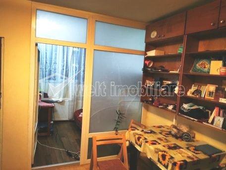 Apartament tip garsoniera+nisa dormitor, zona Parang, cu centrala proprie