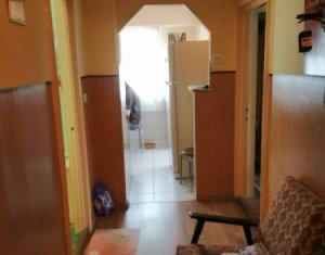 Apartament in zona Iulius Mall, 2 camere decomandate, 57 mp, etaj intermediar