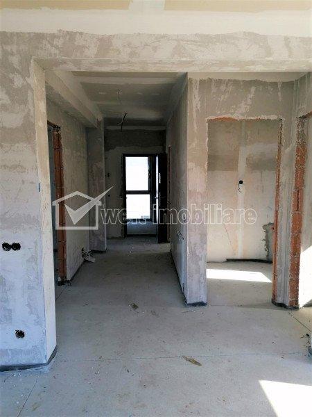 Duplex 3 camere, curte 57 mp, 2 garaje, imobil cu doar 2 apartamente