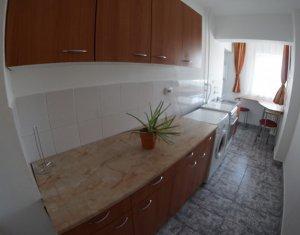 Apartament mobilat si utilat, la etaj intermediar, zona FSEGA,