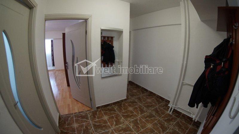 Apartament mobilat si utilat, la etaj intermediar, zona FSEGA