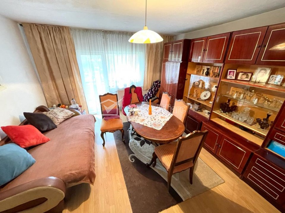Apartament 4 camere, 80 mp, etaj intermediar, Gara