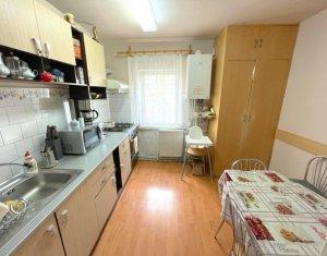 Apartament cu 3 camere, decomandat, Grigorescu