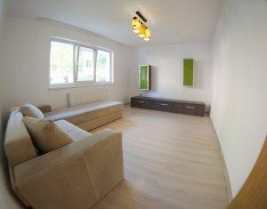 Apartament cu 3 camere, semidecomandat, 65 mp, zona Sirena Manastur
