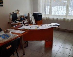 Apartament 3 camere, decomandat, potential comercial, 70 mp, zona Intre Lacuri