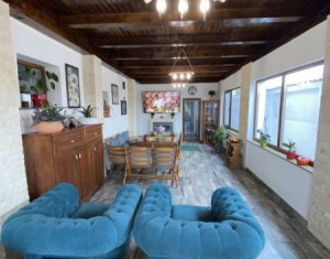 House 5 rooms for sale in Dezmir, zone Centru