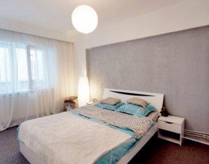 Apartament decomandat, 3 camere, 2 bai, zona Observatorului, Zorilor