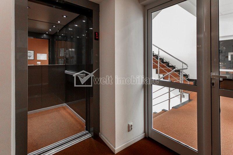 Birouri clasa A, etaj 5 cu panorama, 9 incaperi, langa Vivo Polus