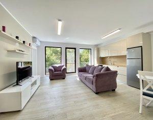 Apartament 3 camere lux, imobil deosebit, situat la 2 minute de UMF