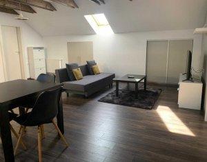 Apartament 3 camere la mansarda, cartier Borhanci, zona Brancusi
