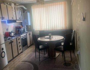 Apartament 2 camere, situat in Floresti, zona primariei