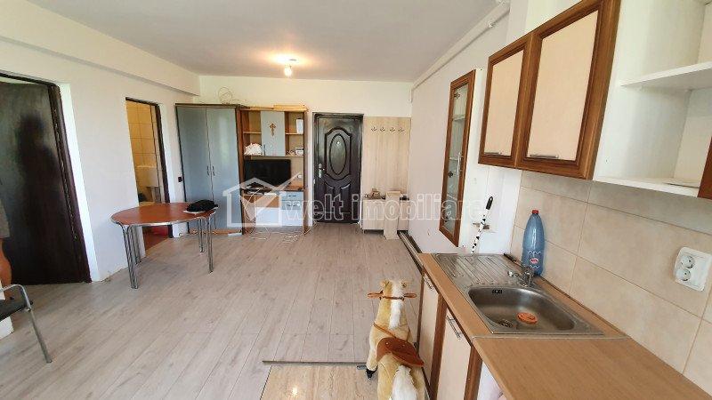 Apartament cu doua camere, balcon de 8 mp, zona Profi Urusagului