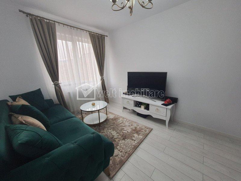 Apartament 2 camere, decomandat, parcare, zona VIVO