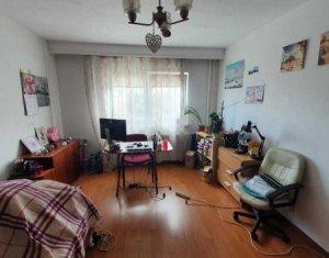 Vanzare apartament 2 camere, decomandat, la 5 minute de Piata Cipariu