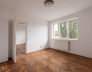 Apartament 2 camere, semidecomandat, CENTRU