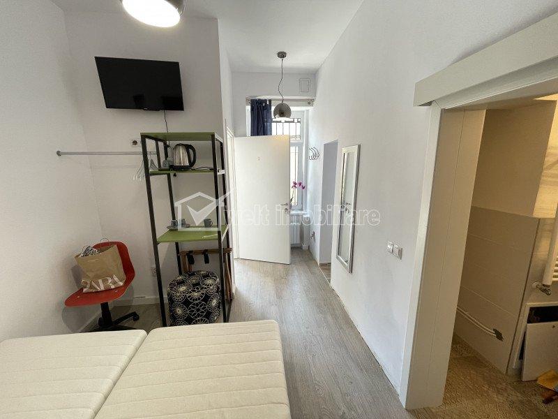Centru! Apartament 4 camere, 4 bai, curte