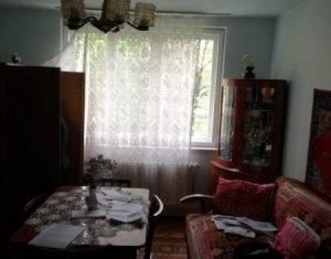 Vanzare apartament de 3 camere,54 mp, decomandat, etajul 1, Plopilor