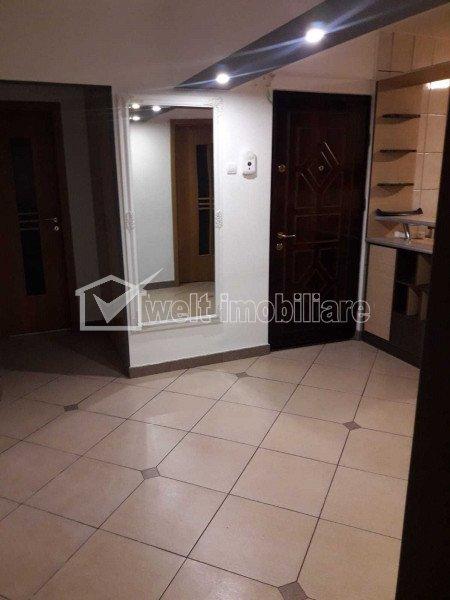 Appartement 4 chambres à vendre dans Cluj-napoca, zone Intre Lacuri