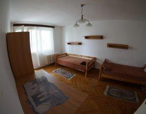 Inchiriere 2 camere Gheorgheni, etaj 3, bloc izolat, parcare