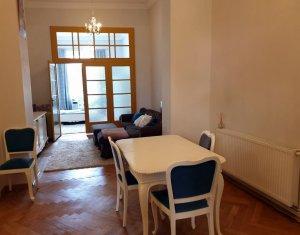 Vanzare apartament 3 camere, ultracentral, finisat, mobilat