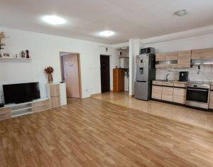 Apartament 3 camere, 63 mp, 3 balcoane, S-E, parcare, Floresti