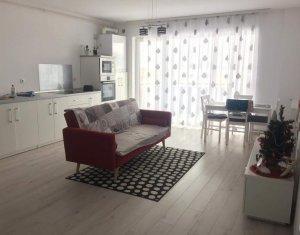 Vanzare apartament cu 3 camere, Sopor