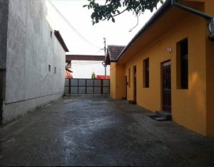 Casa calcan alipit, singur in curte, 421 mp teren liber de sarcini