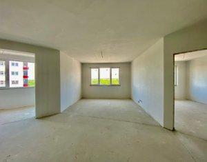 Apartament 3 camere, decomandat situat in zona BMW